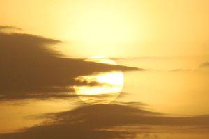 640px-Sunrise-near-Tava-Reservoir-By-Lovleet